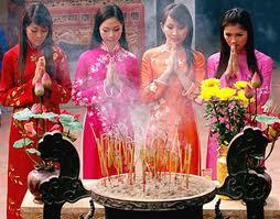 Lễ Chùa - Xin lộc đầu năm nét đẹp văn hóa Việt
