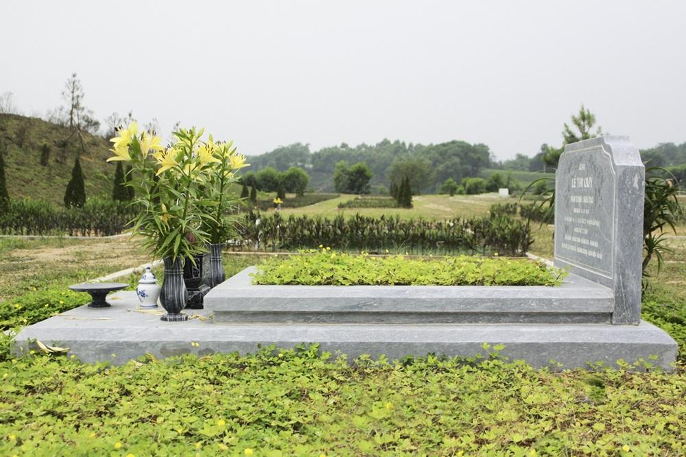 Mẫu mộ mai táng